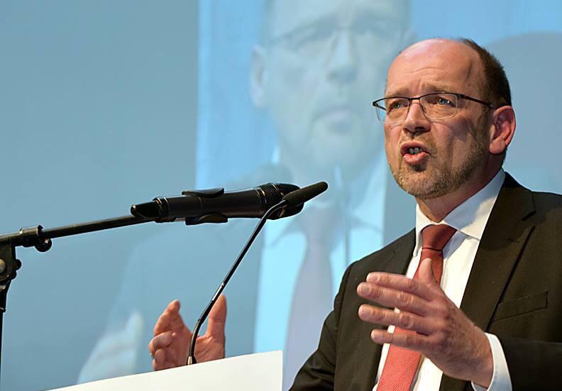 Rainer Schmeltzer einstimmig als Bürgermeisterkandidat vorgeschlagen